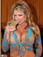 Get Drunk on Kellys Massive Melons as she bangs herself with her blue toy.