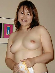 Japanese amateur gets her wet pussy banged hard by a stranger