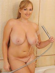 Blondes Hooterific Tittie Tub Show