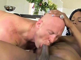 Horny Shemale Housewive