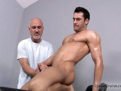 Gay muscle hunks gets massaged and then cums