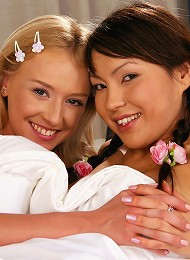 Hanna and  Mae - Vibrator Chums - Babes please each other with dildos