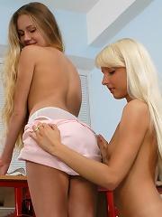Cute schoolgirls fuck double dildo