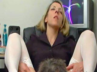 Marie Spreads Her Legs