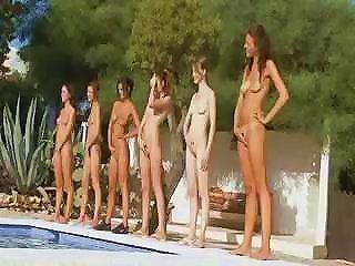Seven Naked Girls Like An