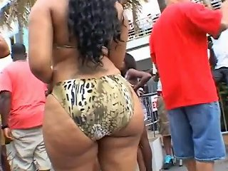 Two Big Booty Bitches At South Beach Porn 7a Xhamster
