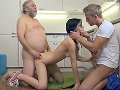 Brave Young Gal Fucked By Old Rod Porn Videos