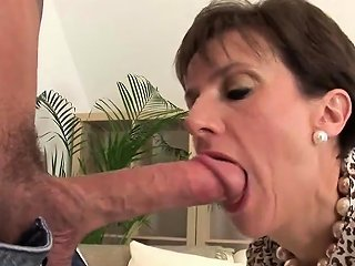 Cheating Uk Milf Lady Sonia Showcases Her Monster Tits