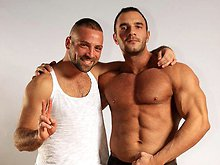 Two muscle bears Ted Colunga and Andro de Luca enjoy hot anal sex