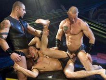 Leather men fuck in 3 way