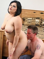 Cute, Plumper Nikki Lane Was Looking For A New Apartment So Eric Offered To Show Her The Ropes. He Convinced Her That An Apartment On His Floor Would