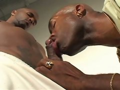 Sexcyone is a hottie, with a very good looking face, nice bod and hot cock. So its no surprise he has guys lining up to take on his dick. This time ro
