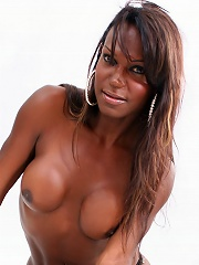 This tranny has beautiful smile and perfect body