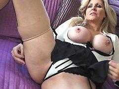 Julia Ann Stunning Milf Gets Cummed