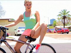 Public Sex With Sassy Blonde Babe Penetrating Her Cunt A Bike's Part