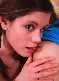 Petite 18yo Teens Share Massive Red Sex Toy Teen Porn Pix