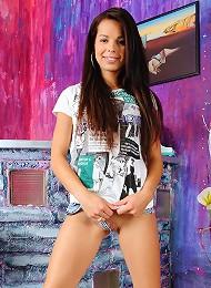 Exciting Nude Photos Of Virgin 18 Year Old Teen Kiki Teen Porn Pix