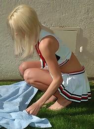 Dream Kelly Cheerleader Sex-toy Insertion Teen Porn Pix