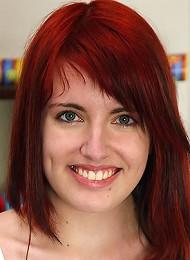Redhead Rubbing Teen Porn Pix