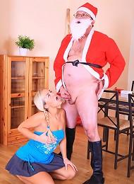 Blonde Teen Slut Sucks And Fucks Santa Teen Porn Pix