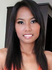 Yui the first timer Thai slut sucks and fucks a big white cock